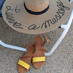 Large Brim Tan Beach Hat